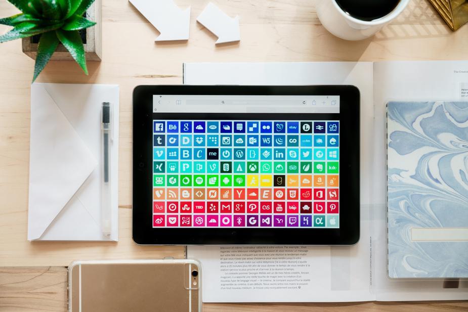 Cấp độ 4. Augmented product — What is apart from competition? (Sản phẩm tăng cường, điều gì tạo ra khác biệt cạnh tranh)
