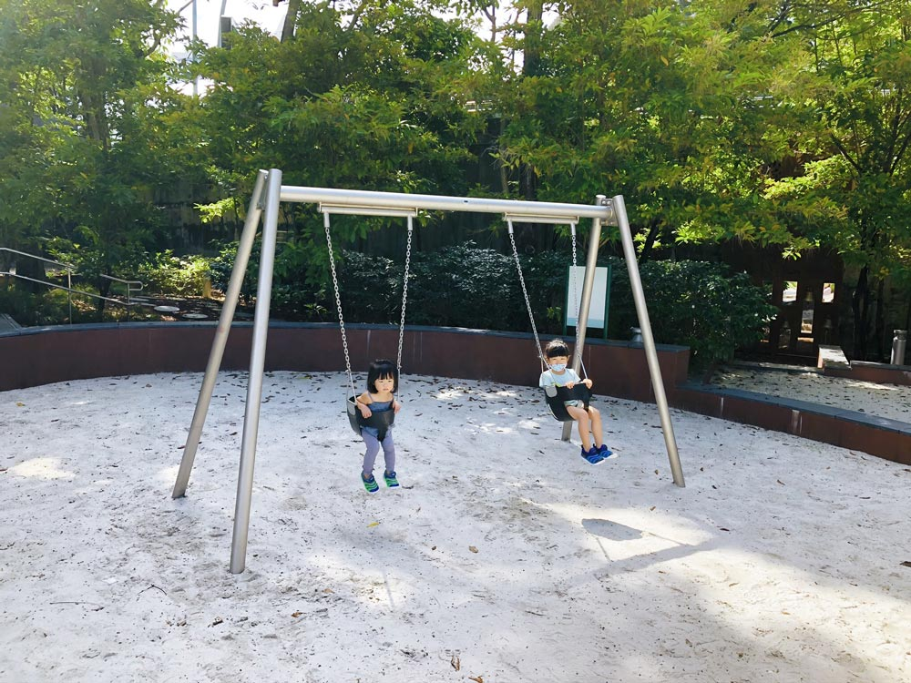 Esplanade Park Playground swings