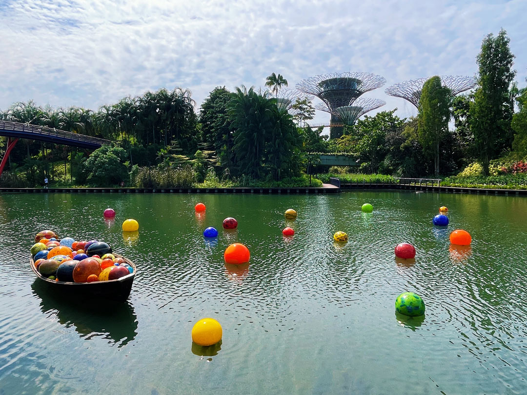 Dale Chihuly Glass in Bloom - Float Boat and Floats