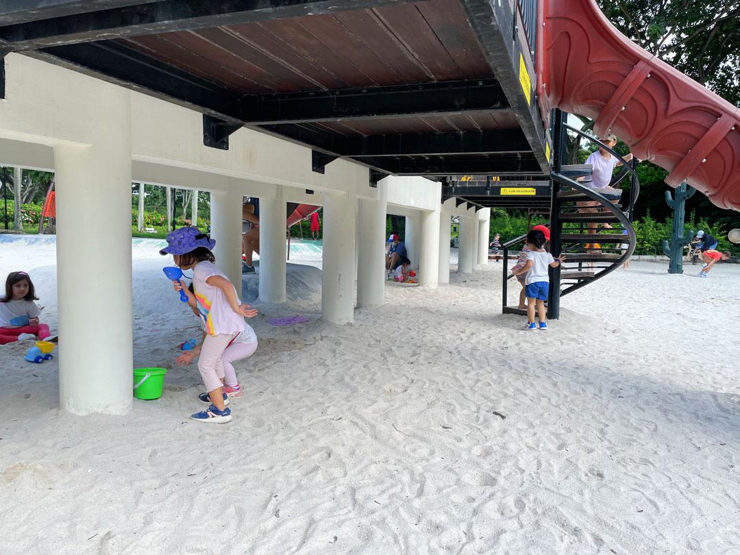 Tiong Bahru Park Train Playground