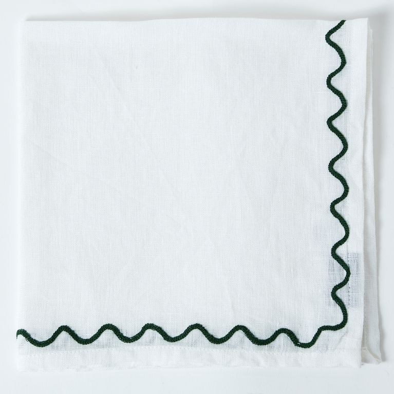 Scalloped Embroidered Napkin in Green