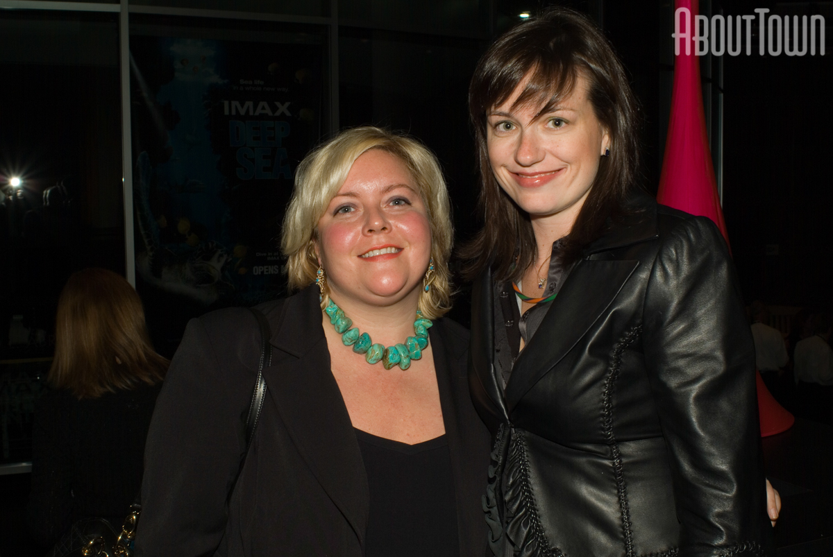 Meredith McMillan, Liz Pharo