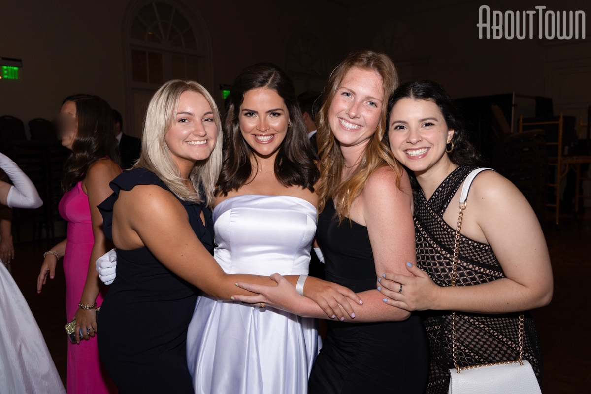 Julia Goodson, Mary Cate, Emily Barnes, Camille DiCarlo
