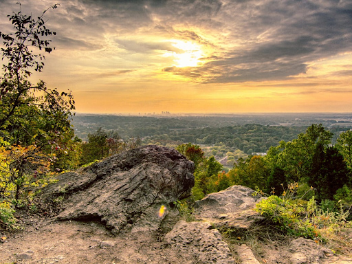 Best Family Hikes In and Around Birmingham