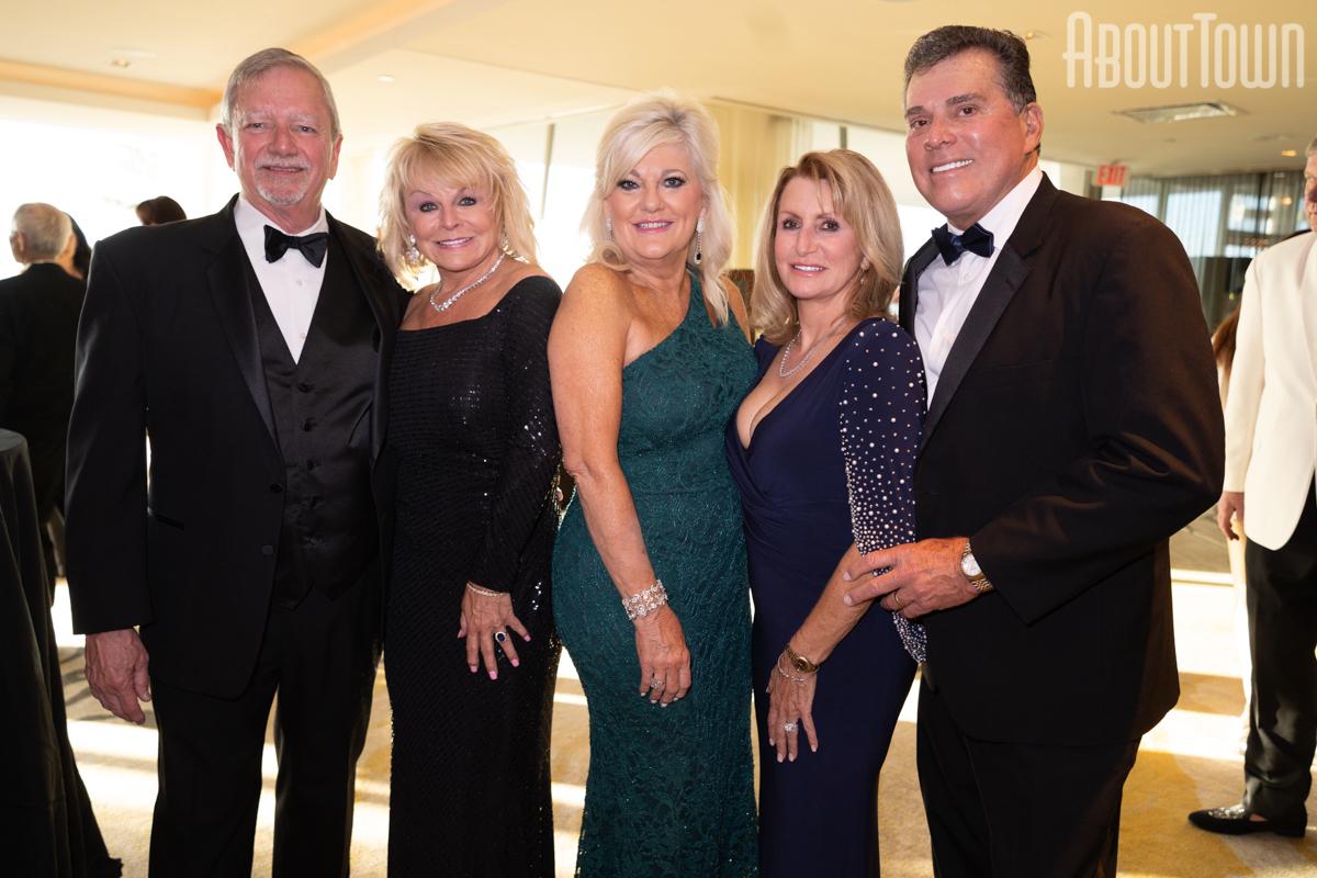 Ron Martin, Regina Cash, Karen Allums, Debra and Terry Henderson