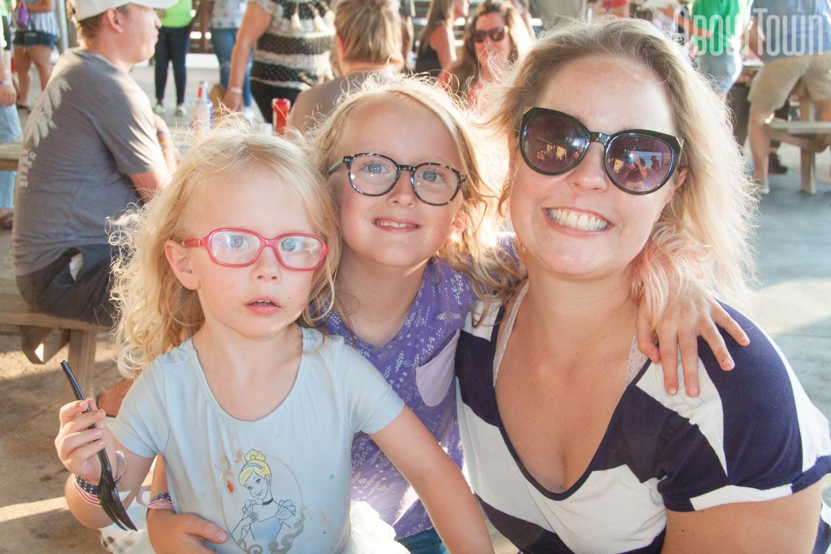 Samantha, Lila and Madeline Howell