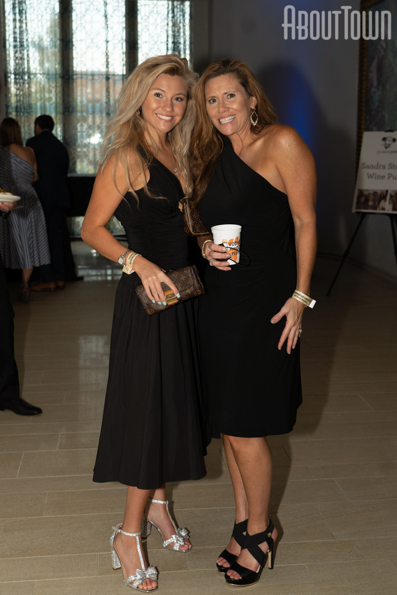 Abbie and Valerie Richenderfer