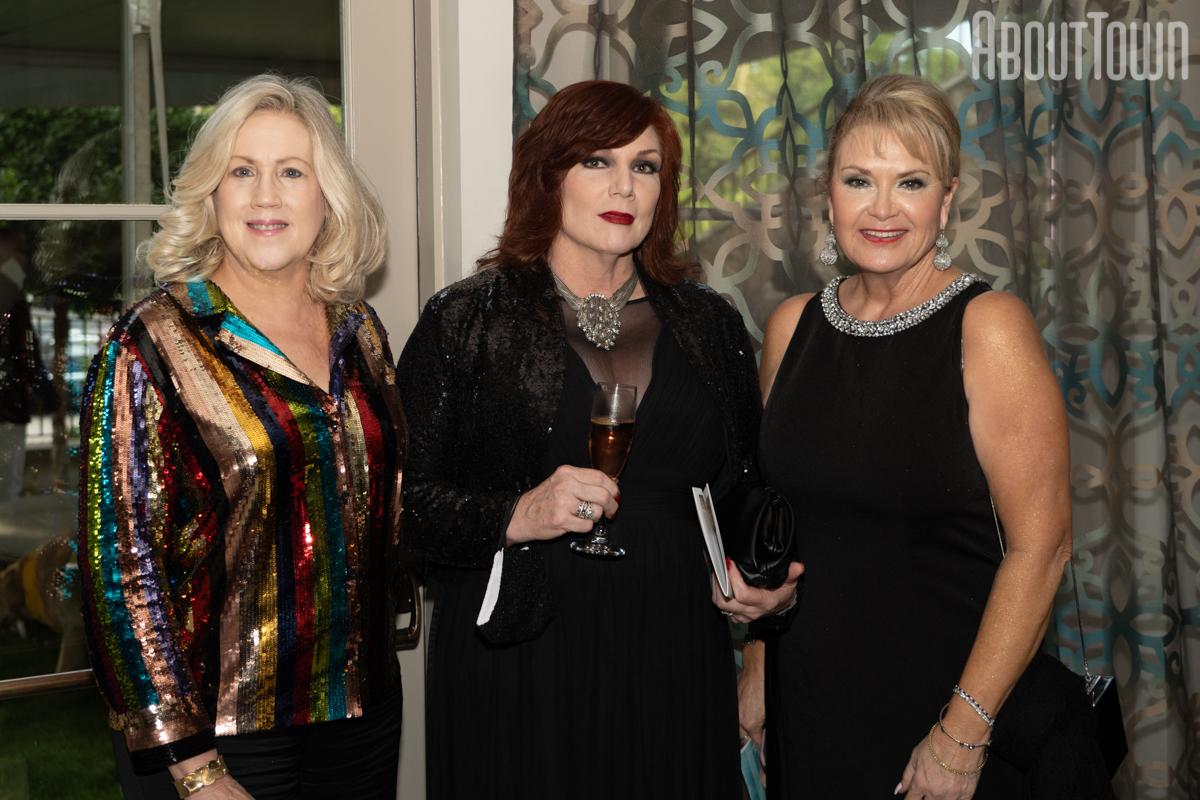 Sallie Gunter, Cynthia Wilkinson, Alicia Haynes