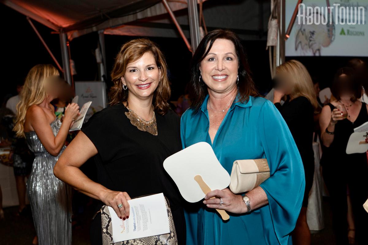 Julie Harris, Cindy Hodges