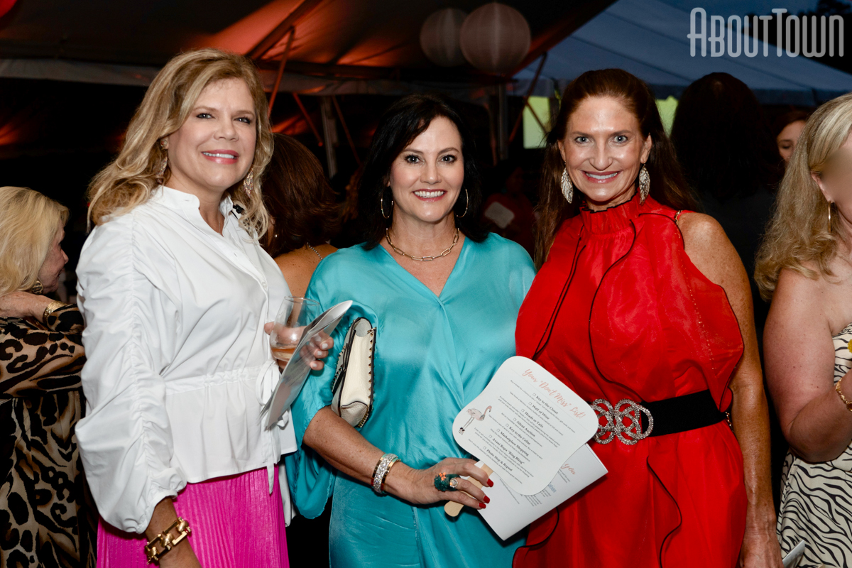 Laura Clark, Mary Beth Howland, Liz Clark