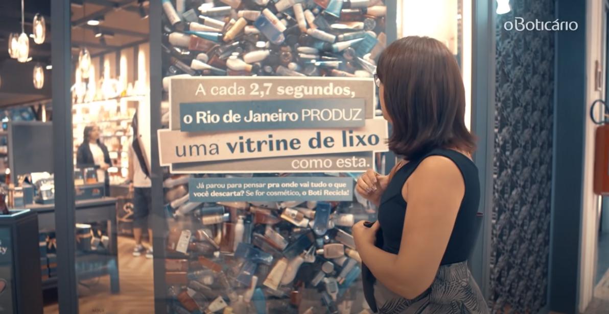 Ação promocional do programa Boti Recicla, um sistema de logística reversa de embalagens individualizado