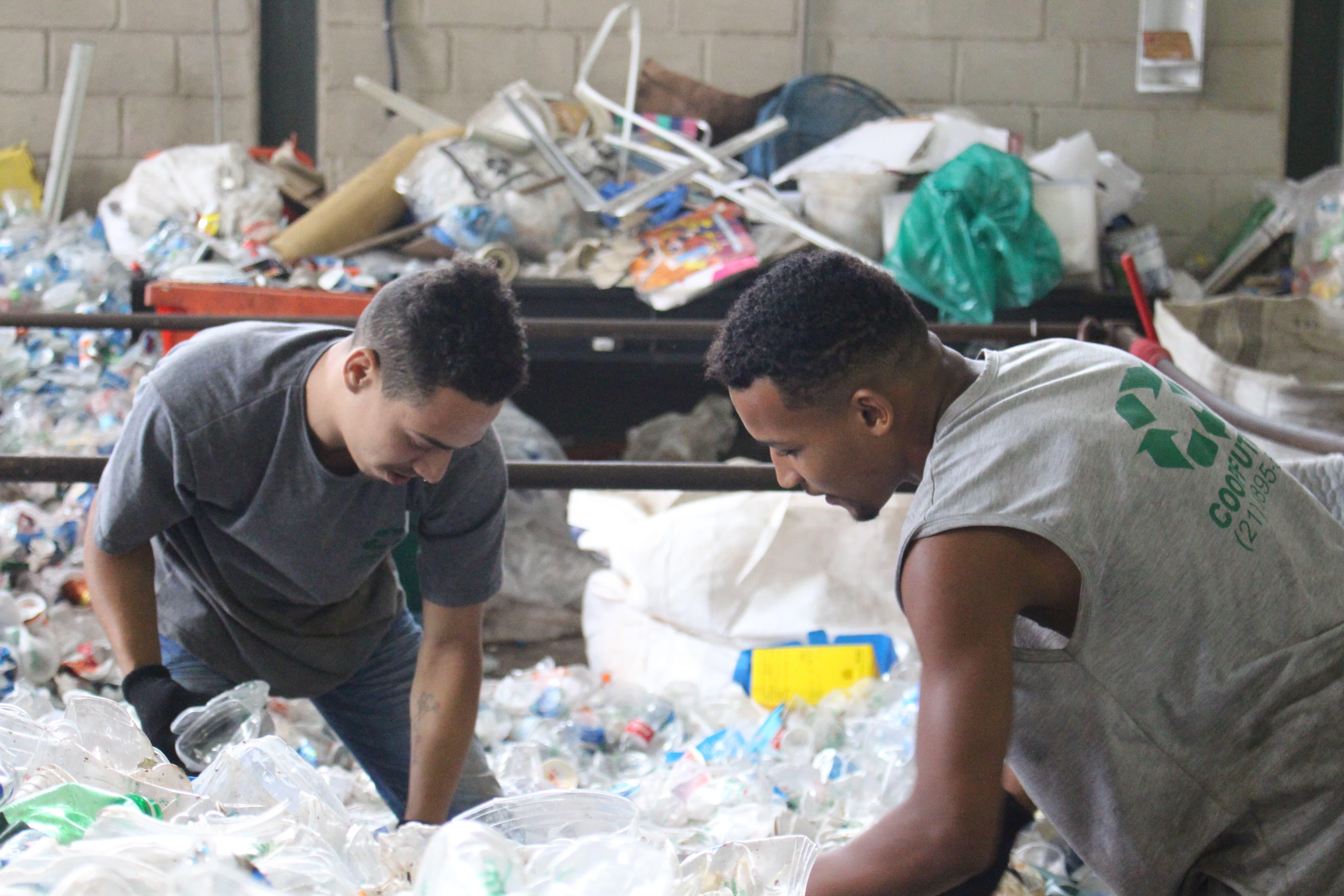A logística reversa de embalagens contribui com os ODS através da profissionalização e inclusão social