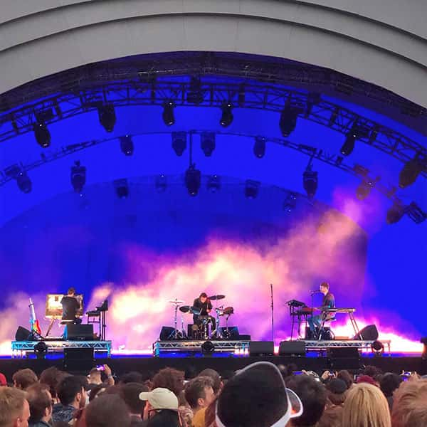 An ambient James Blake festival performance