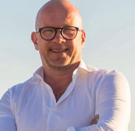 Gavin Dickinson, Fubsi co-founder