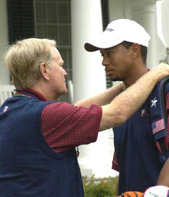 Jack Nicklaus and Tiger Woods, both arthritis sufferers, meet on golf course