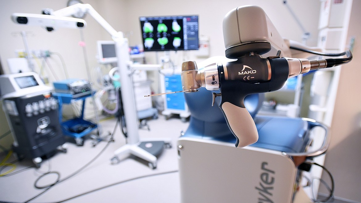 Robotic operating room at Bone and Joint Institute of Tennessee featuring Stryker Mako Smartrobotics