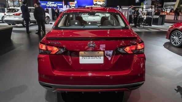 Nissan Sunny 2020 sở hữu cụm đèn hậu led được làm mới