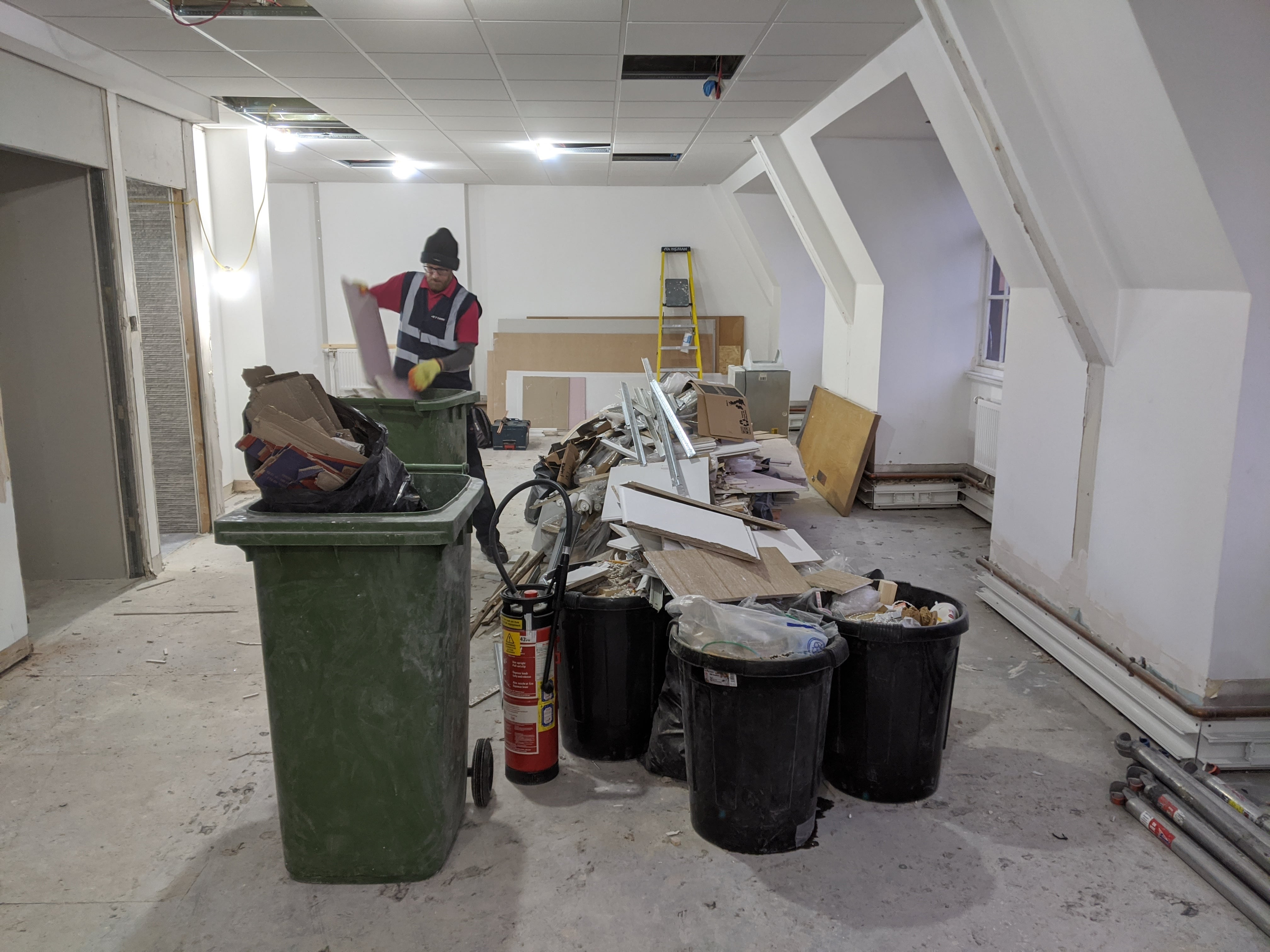 Shop fitters waste