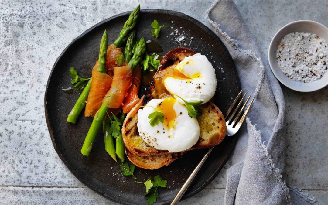Huevos Pochados con Asparragos