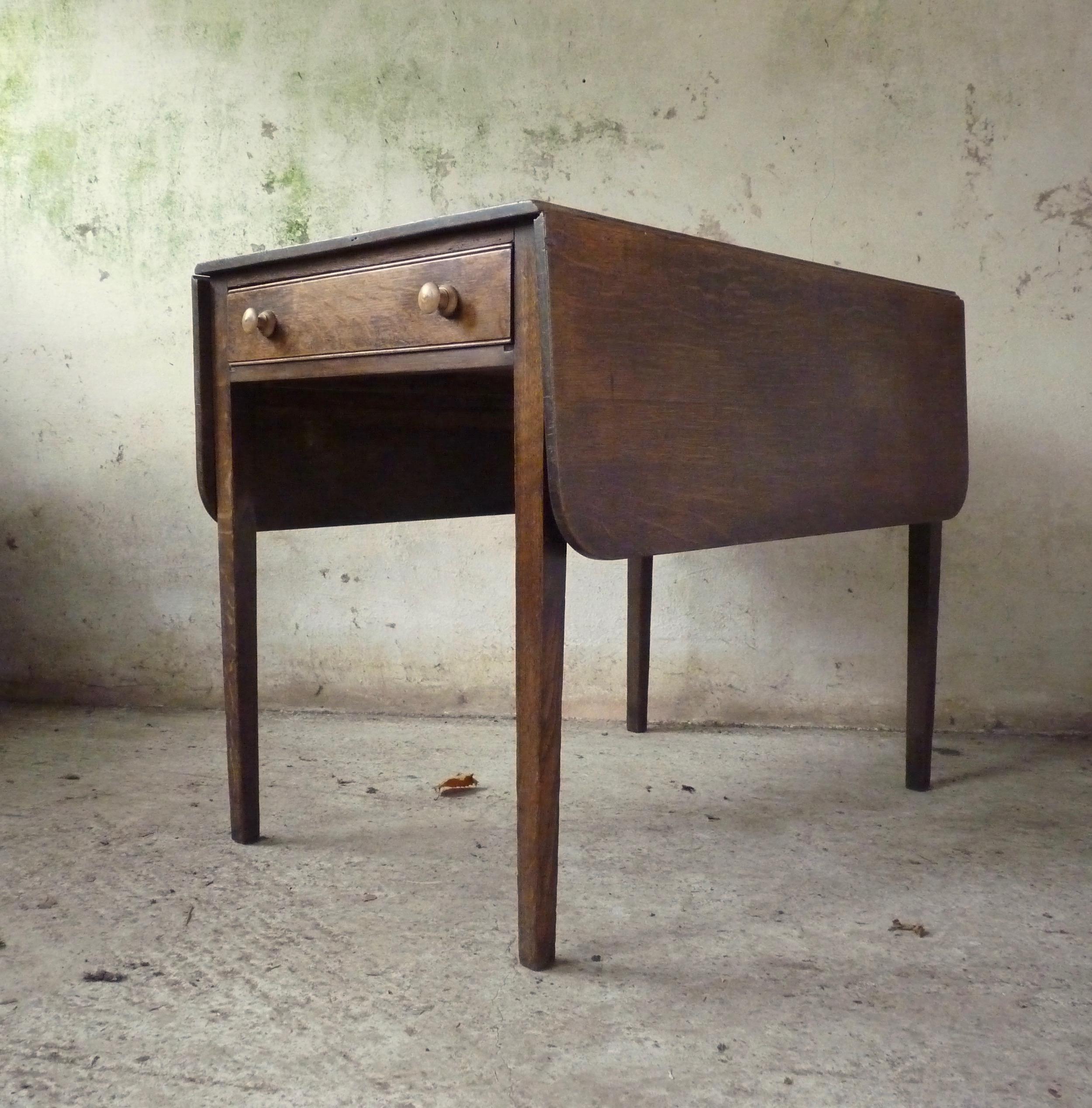 Country kitchen oak Pembroke table