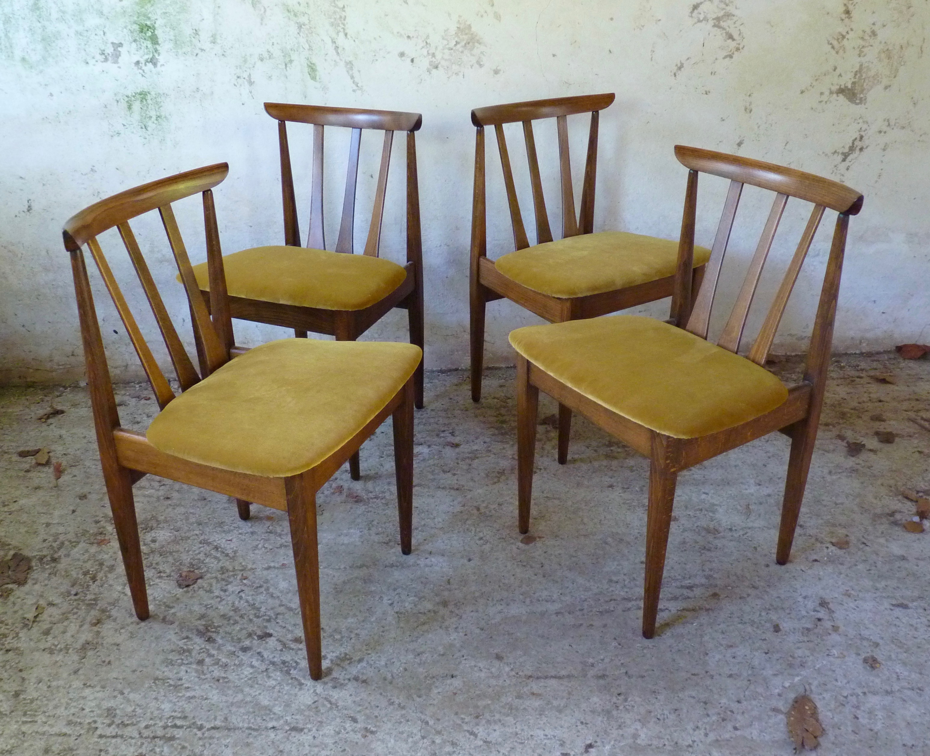 set of 4 EON dining chairs