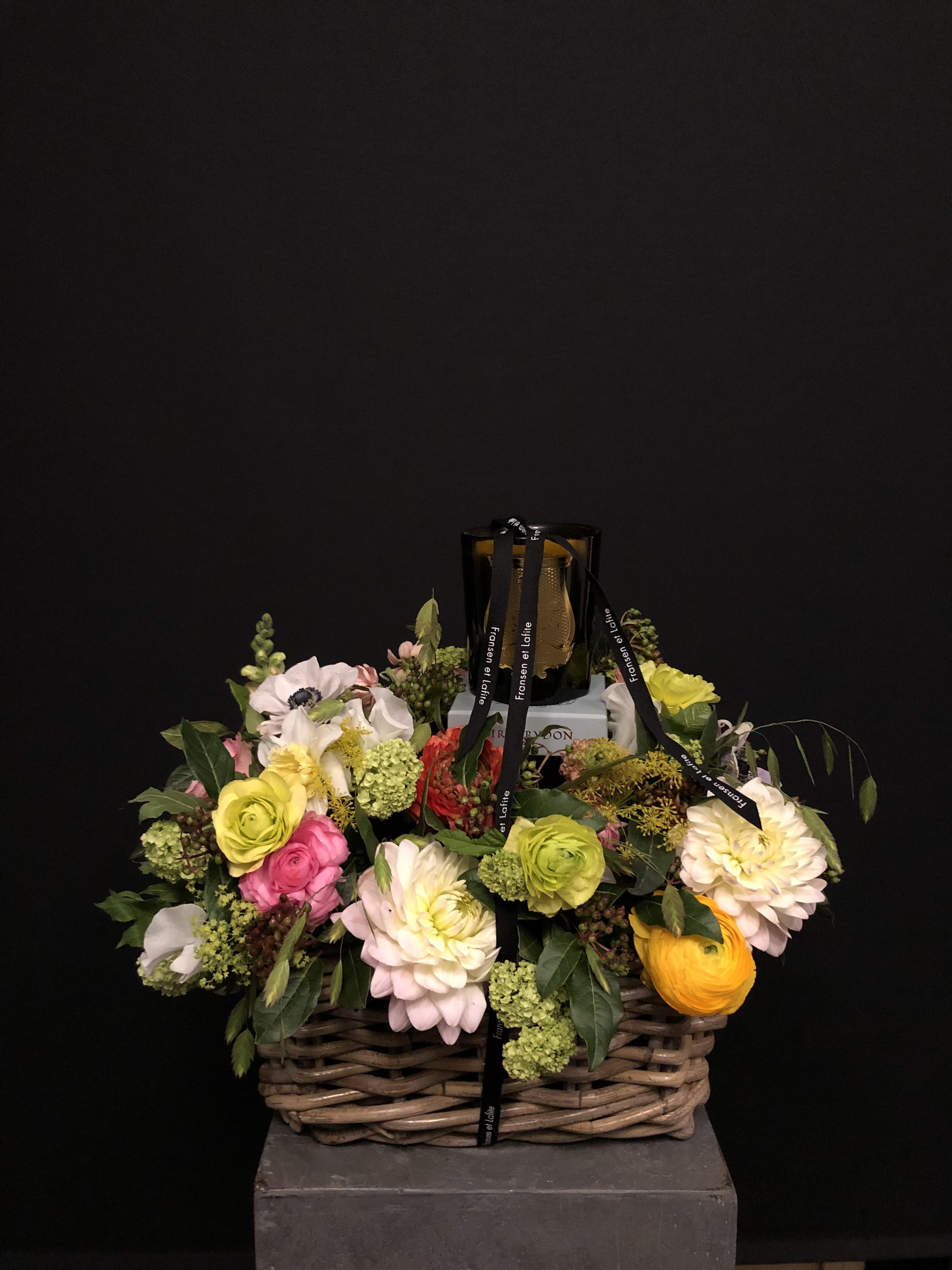 Cesta con flores y vela Cire Trudon
