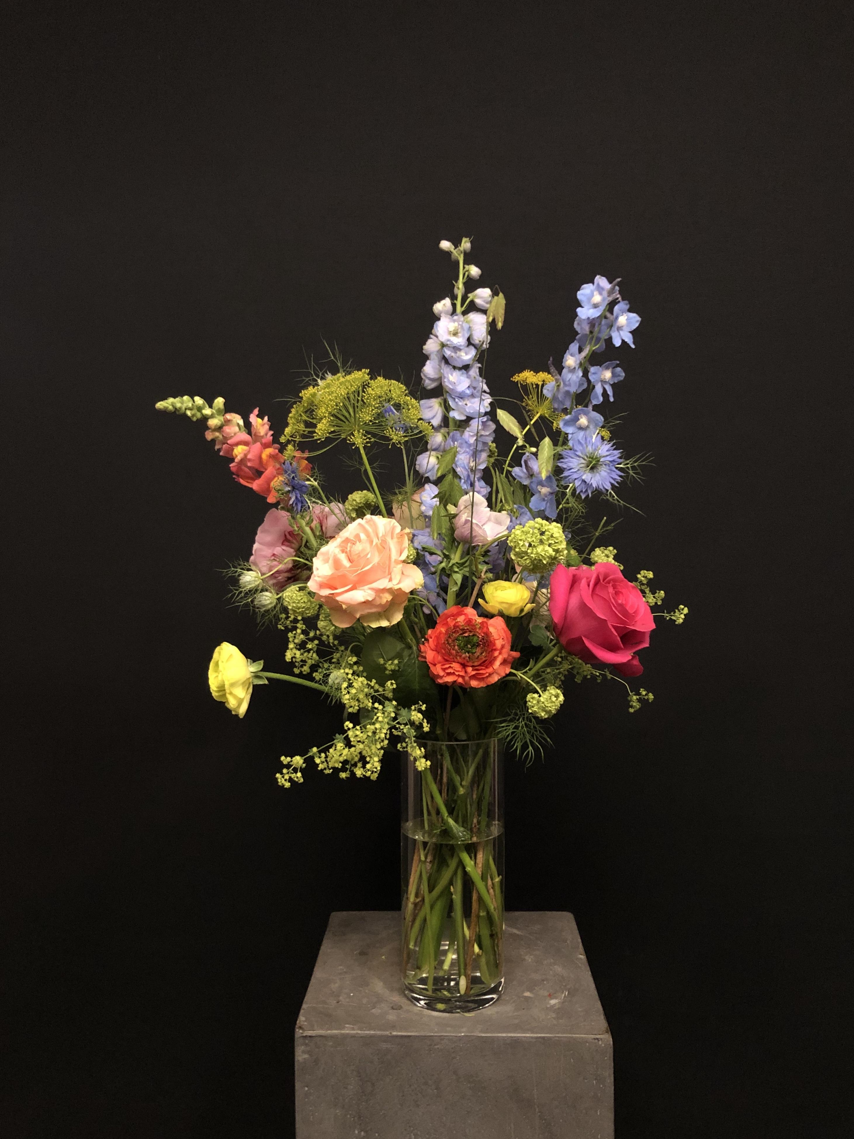Ramo de flores con Jarrón M