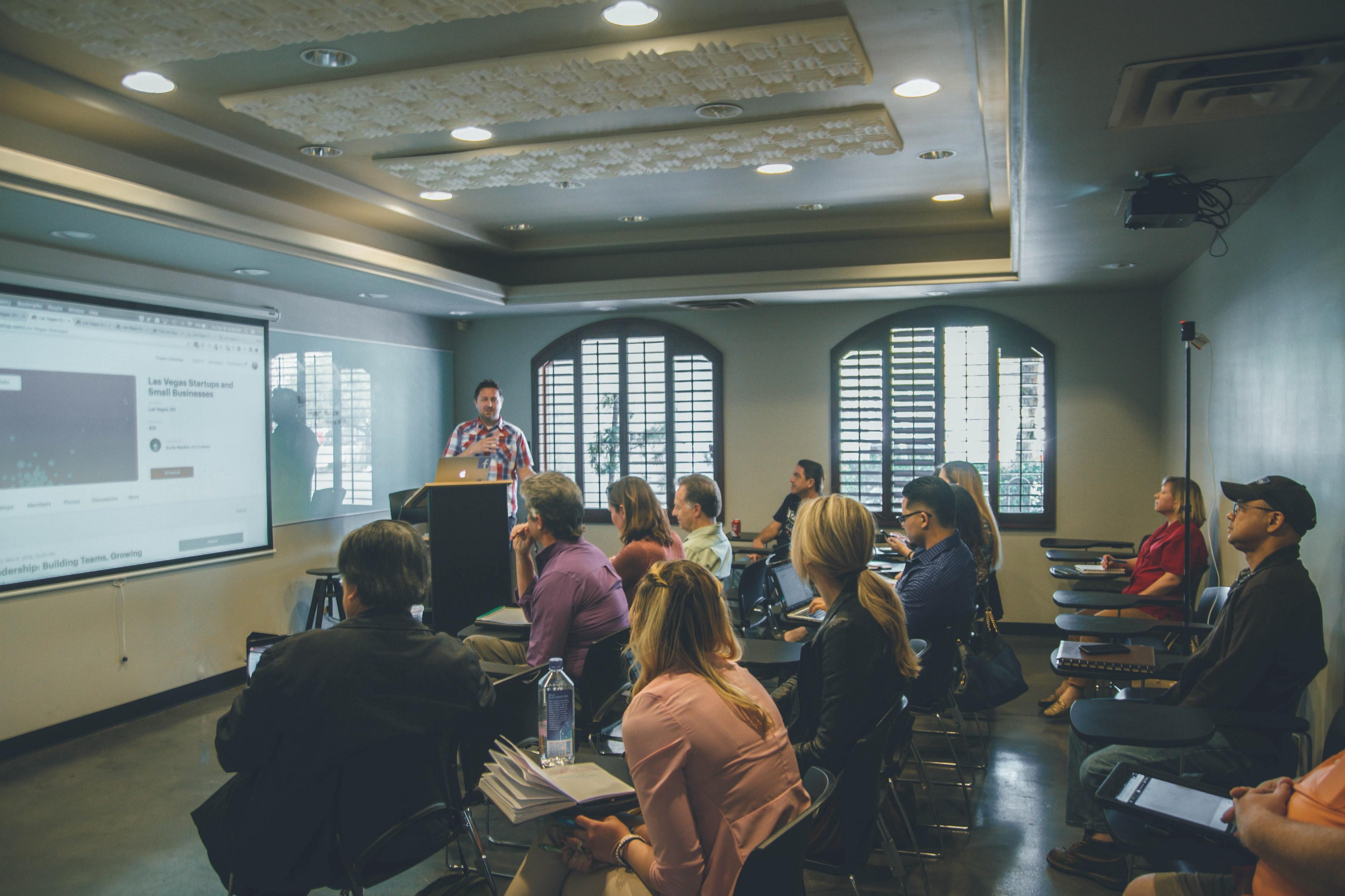 Employee training through a data-driven presentation