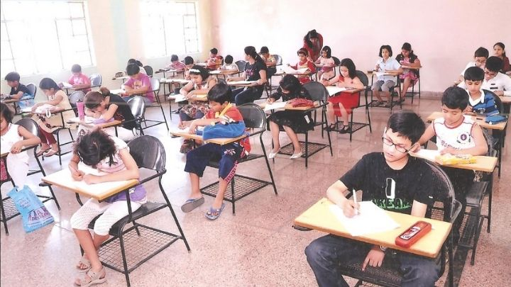students taking admission test at nimt school ghaziabad