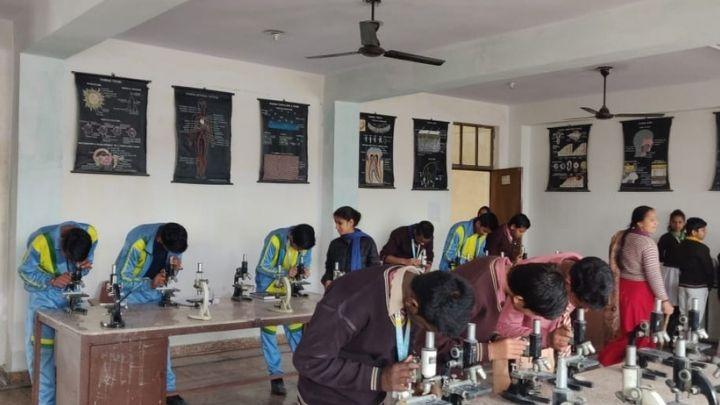 nimt school - biology lab