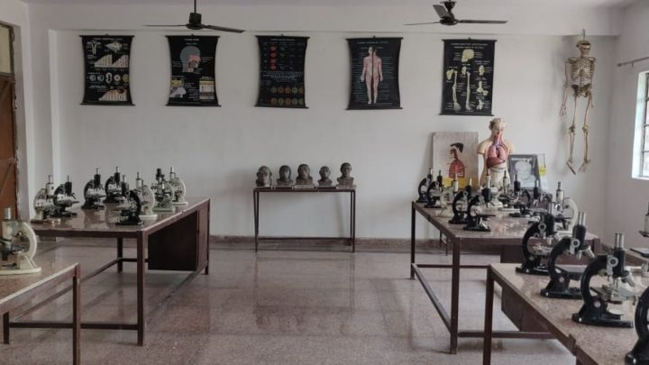 biology lab - nimt school