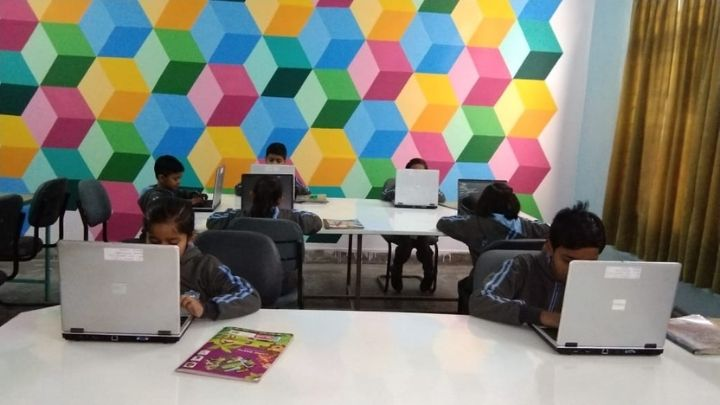 computer lab nimt school avantika ii ghaziabad