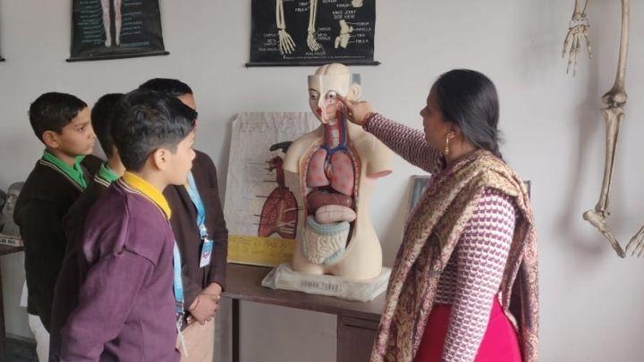 biology lab at nimt school avantika ii ghaziabad