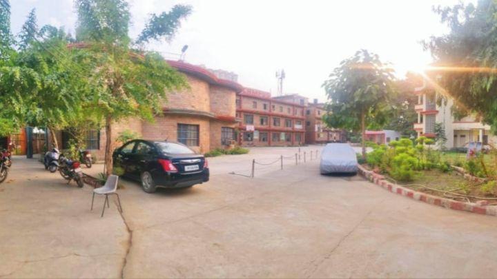 campus school building