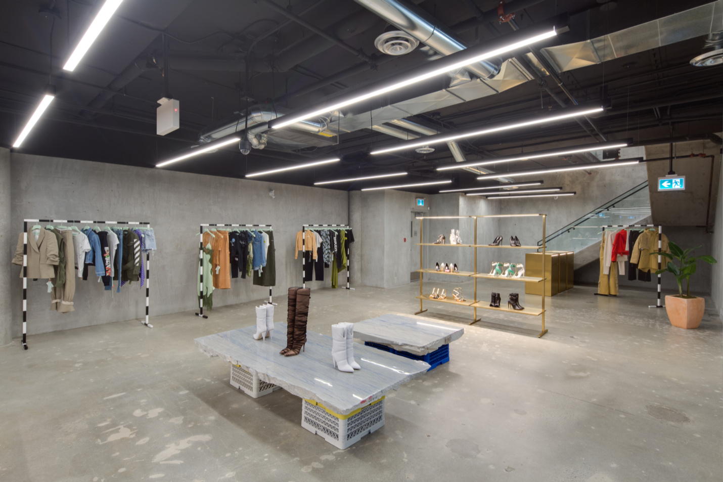 Offwhite Contracting Store