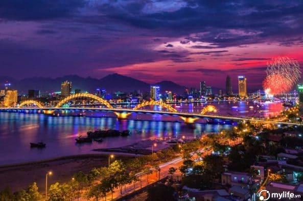Cầu Rồng là một biểu tượng của Đà Nẵng