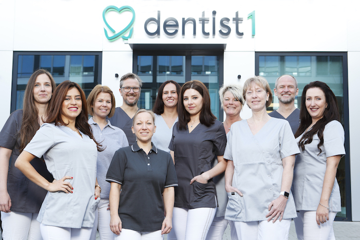 dentist1 - internationales Praxis Team
