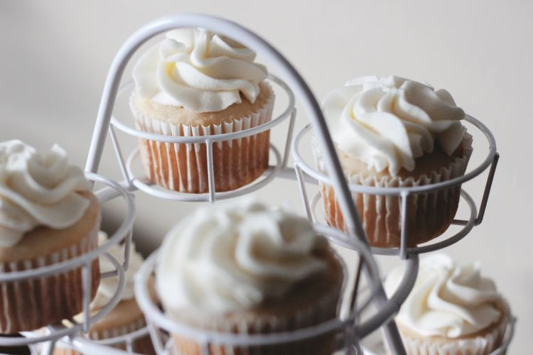 cupcake catering - sweets for last minute meetings