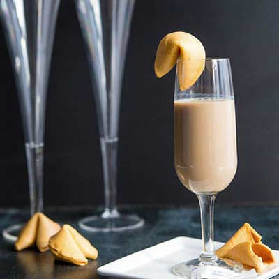 fortune cookie cocktail – Christmas party cocktail
