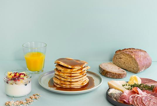 breakfast foodiz pancakes bread orange juice