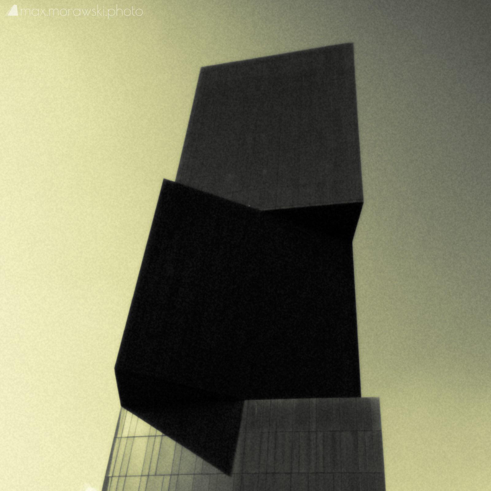 Intercontinental Transmission Tower #3 (Island of Ziy)