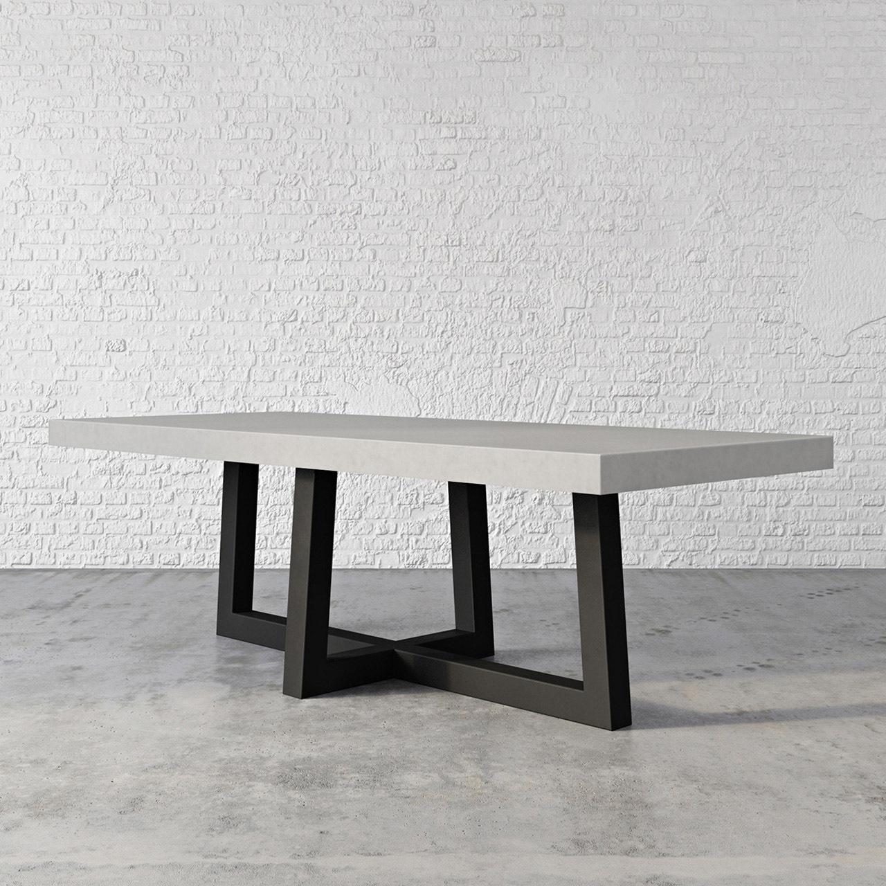 Table de béton grise avec pattes noires