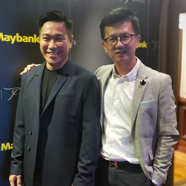 Our medical director, Dr. Ivan Puah, and our in-house myotherapist, Ronald Villegas, at Maybank Private Wealth UL Seminar, giving a talk on BodyMindGoals in September 2019.