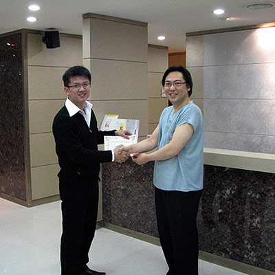Training on Gold Thread Lift, a skin rejuvenation treatment, in Seoul, South Korea.
