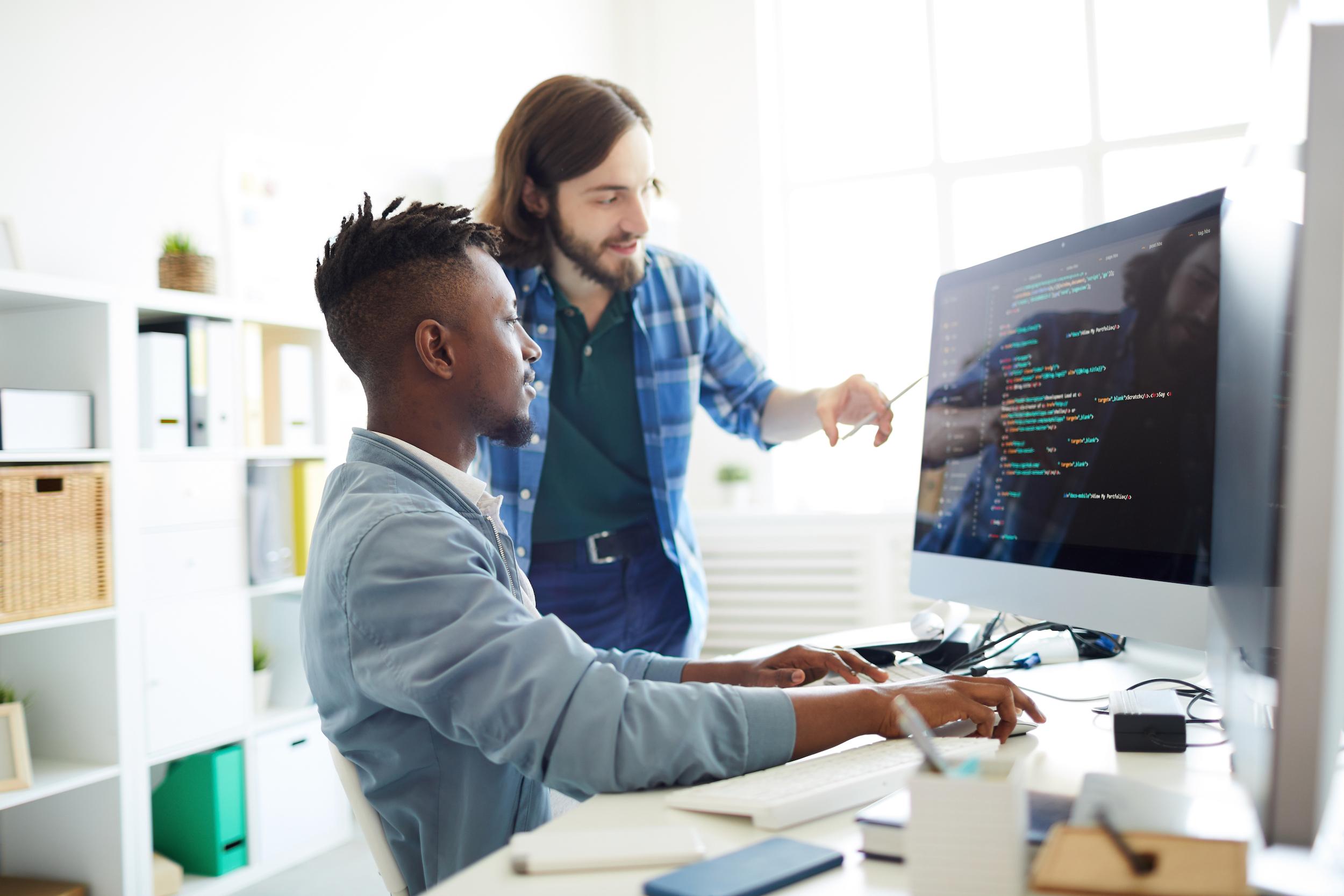 Man wordt geholpen bij de inrichting en de configuratie van SmartMed