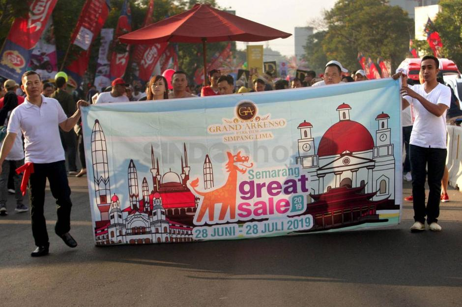 FOTO: Peserta Berkostum Unik Ramaikan Semargres...