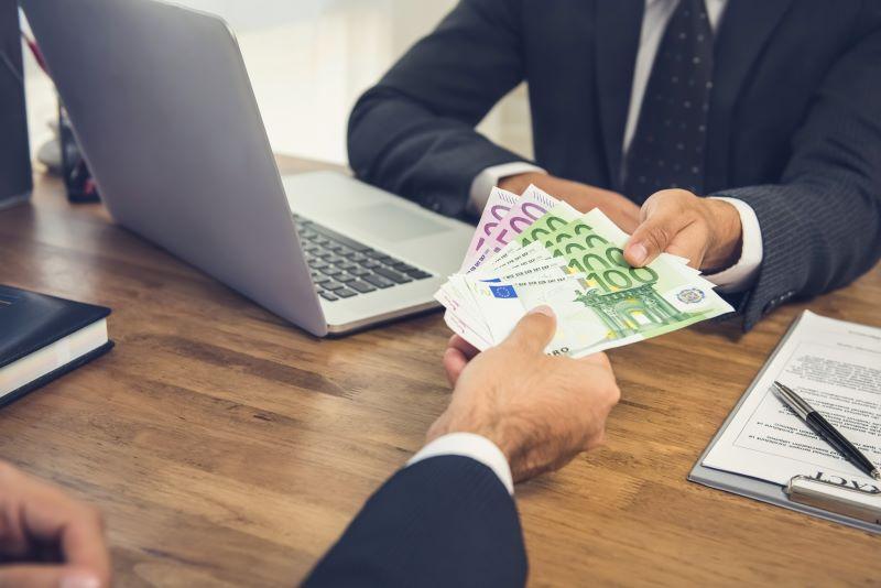 Låna pengar mellan bolag