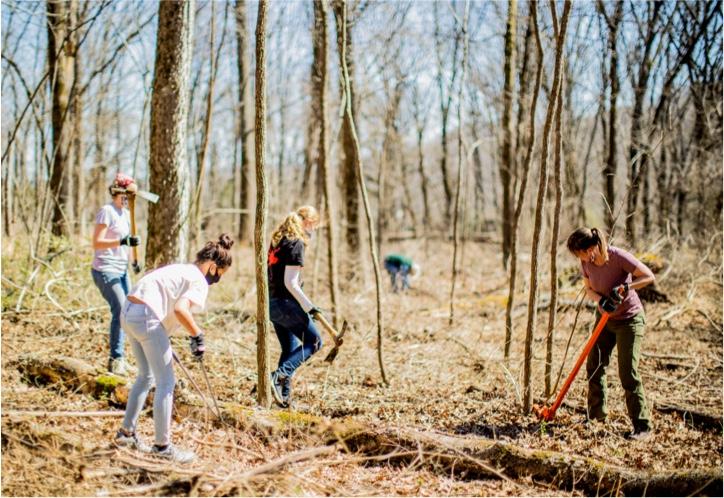 A group of volunteers at Warner Parks