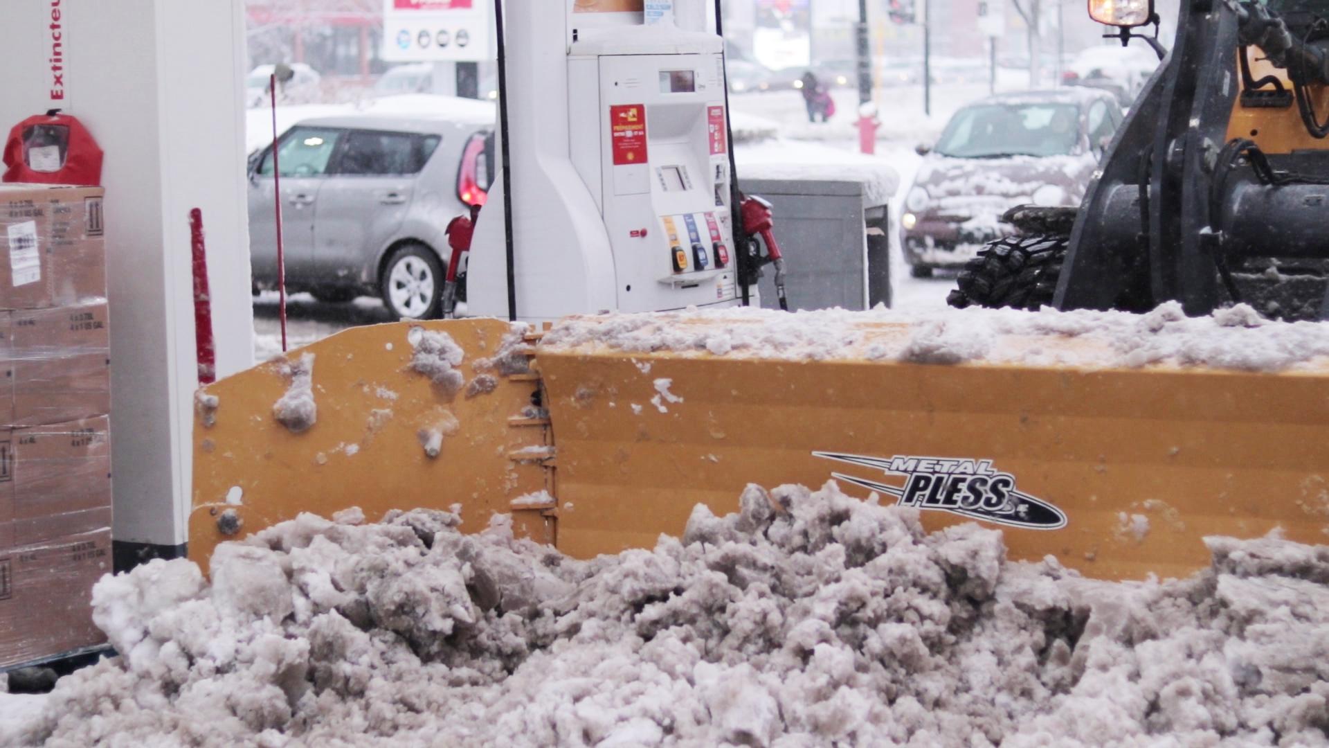 Déneigement de station essence Montréal