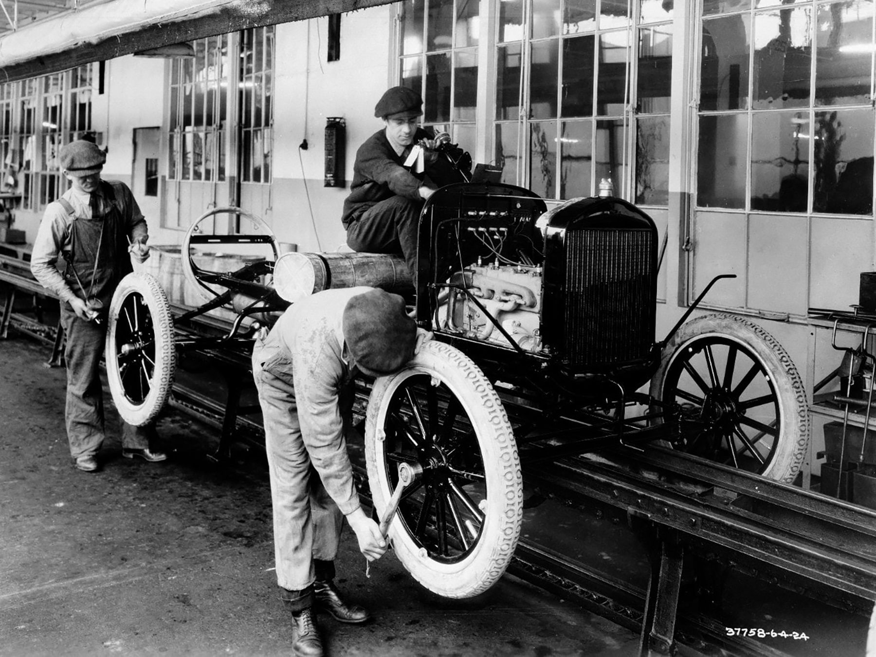 Ford's Model T assembly line at the company's Highlands Park plant.